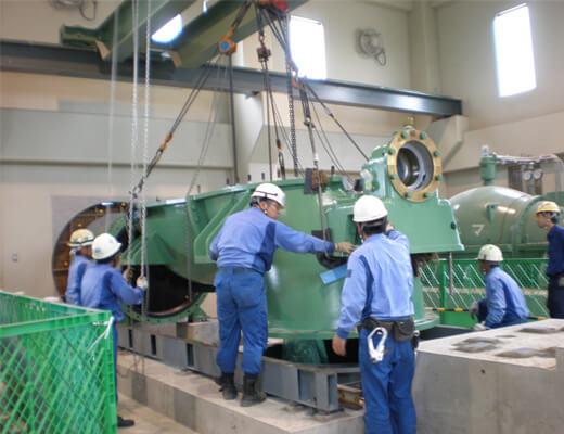 P7040041排水ポンプ:組立作業